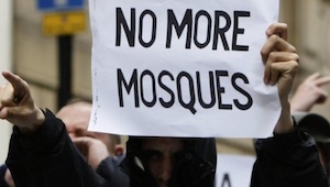 More than 700 Islamophobic, Racist Incidents Reported in A Week in US, Report Says