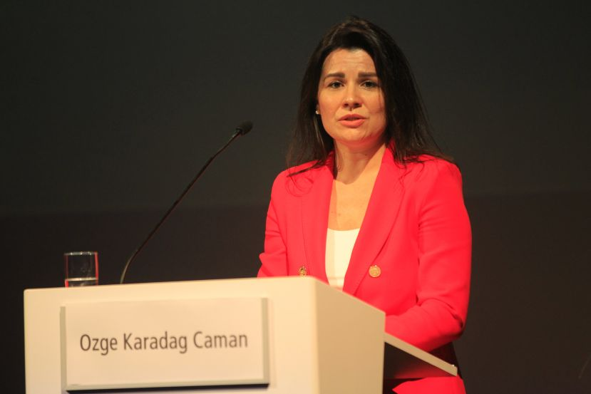 Dr. Özge Karadağ Caman from Columbia University: COVID-19 cases in the U.S. are still worrisome.