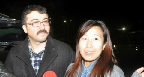 Fugitive Hüseyin Korkmaz (L) and his wife after being released in Turkey