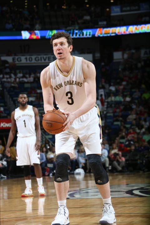 New Orleans Pelicans Looking To Unload Omer Asik's Contract