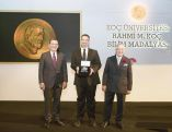 Turkish MIT Economist Daron Acemoğlu Receives Science Medal in Istanbul