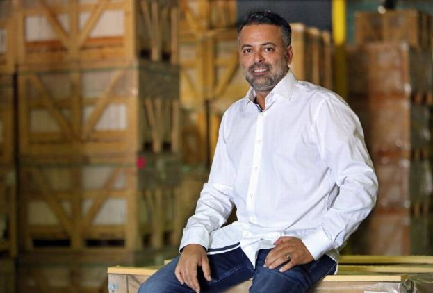 BOS Group CEO/Founder Ozan Baran in his Allapattah warehouse. Emily Michot emichot@miamiherald.com